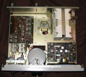 Радиоприемник Yaesu FRG-7 без верхней крышки