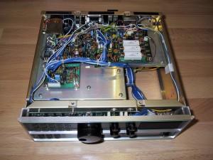 Радиоприемник AOR AR3030 без нижней крышки
