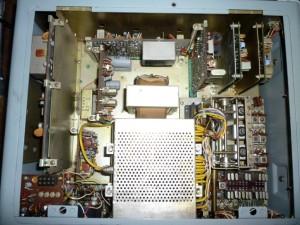 Радиоприемник Yaesu FR-101D без верхней крышки