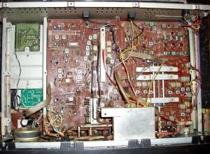 Радиоприемник Panasonic DR-49 без верхней крышки
