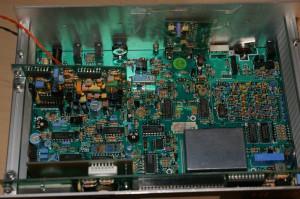 Радиоприемник LOWE HF-225 без верхней крышки