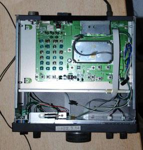 Радиоприемник JRC NRD-345 со снятой верхней крышкой