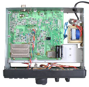 Радиоприемник Realistic DX-394 без нижней крышки