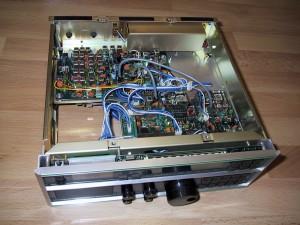 Радиоприемник AOR AR3030 без верхней крышки