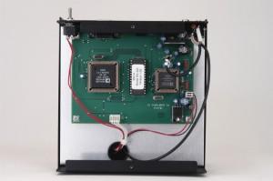 Радиоприемник Ten-Tec RX-320D без нижней крышки