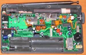 Радиоприемник Degen DE1103 без передней крышки