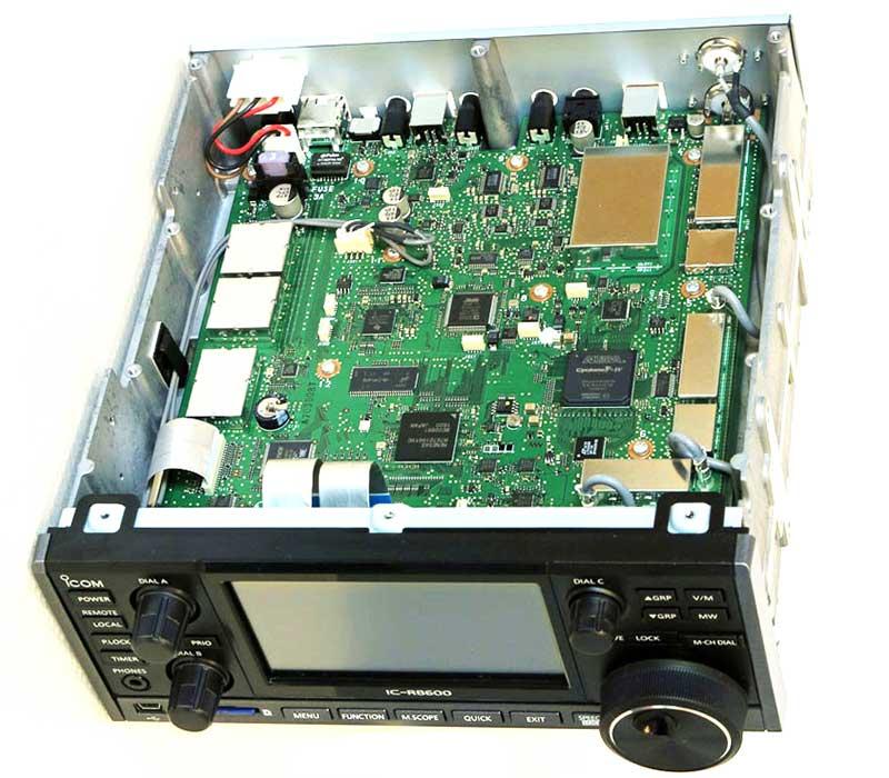Радиоприемник Icom IC-R8600 без верхней крышки
