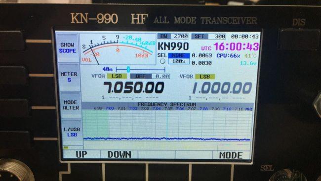 передняя панель трансивера KN-990